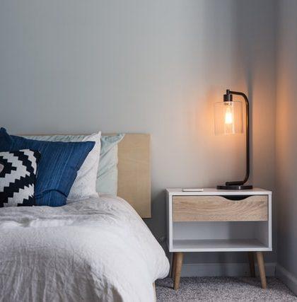 Amueblar un dormitorio: clásico o moderno